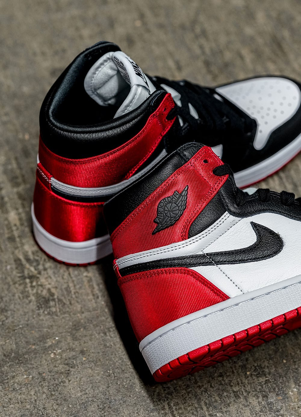 First Look at the Air Jordan 1 Satin Black Toe